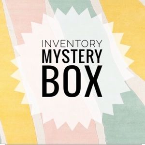 WOMEN'S INVENTORY RESELLER BOX 5-7 PIECES!